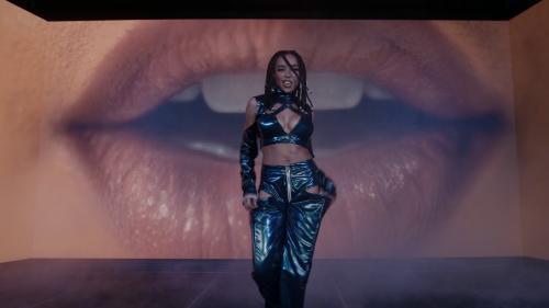 VIDEO: Tinashe - Die A Little Bit (Remix) Mp4 Download