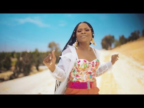 VIDEO: Mpumi Mzobe Ft. DJ SK - Sekumnandi