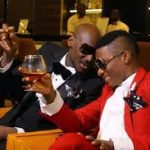 Moment Wizkid prostrated to greet 2Face during Headies Award (Video)